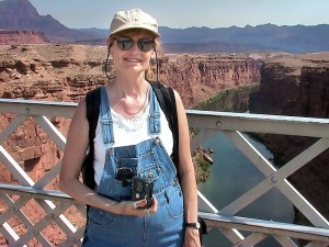 Abby shoots with the Coolpix 885 at Navajo Bridge, July 2003