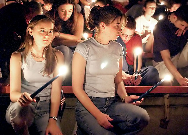 Candlelight vigil for 9/11 victims, 2001