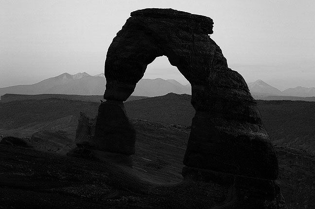 This is Delicate Arch rendered with a simulated blue filter.