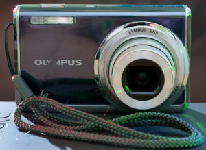 The Olympus FE-5020 is smaller and lighter than a smartphone, and has a much better lens.