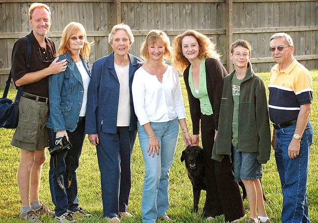 The family gathers at Bill and Lori Wade's house in Platt City, Missouri. From left are me, my wife Abby, my mother Sarah Jo, my cousin Lori, my sister Nicole, her dog Griffin, Abby's nephew Mitchell, and our uncle Wes.
