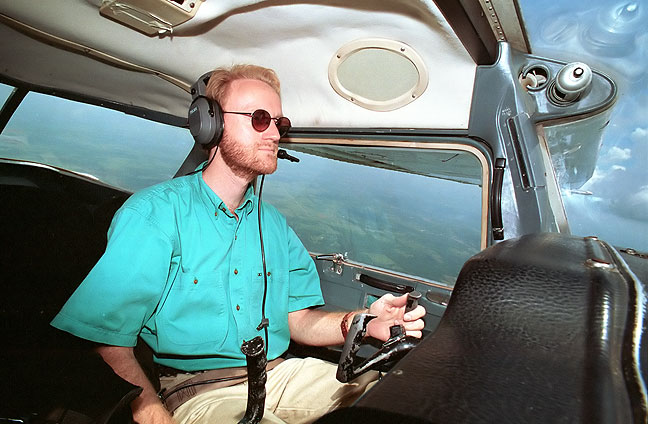 "Flying a spiffy Cessna 150 named ""Old Gomer"""