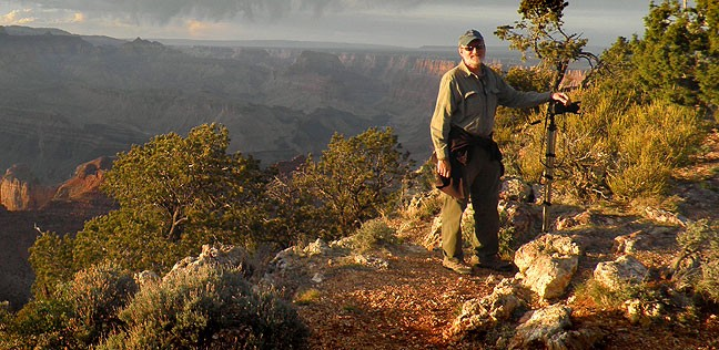 Your humblest host poses for photo at the Grand Canyon recently,