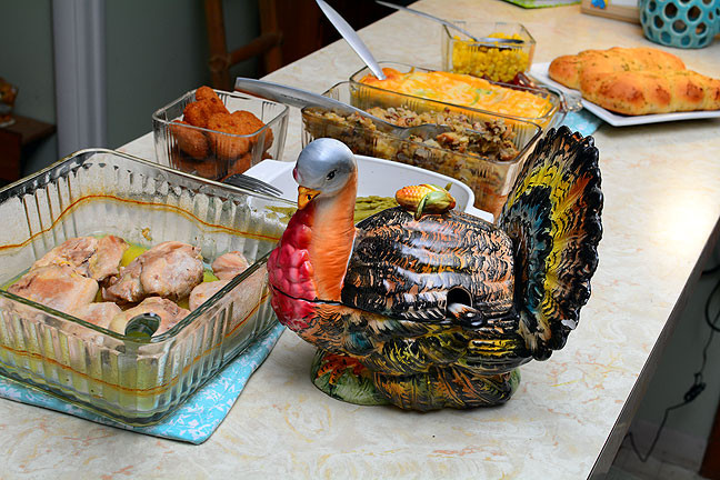 This is our modest buffet for today's enjoyable Thanksgiving meal.