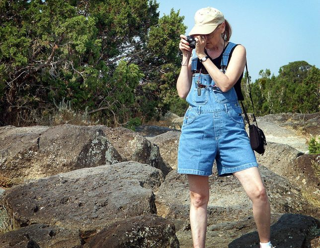 Abby photographs White Rock Overlook.
