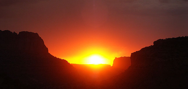We spotted this Tsegi Canyon sunset in northeastern Arizona as we were returning to Page after visiting Natural Bridges.