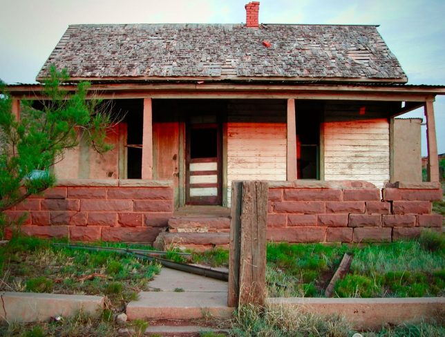 Abby photographed this house at Cuervo, New Mexico at last light.