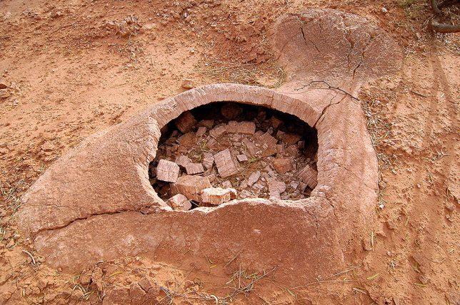 Gypsum Pothole, Caprock
