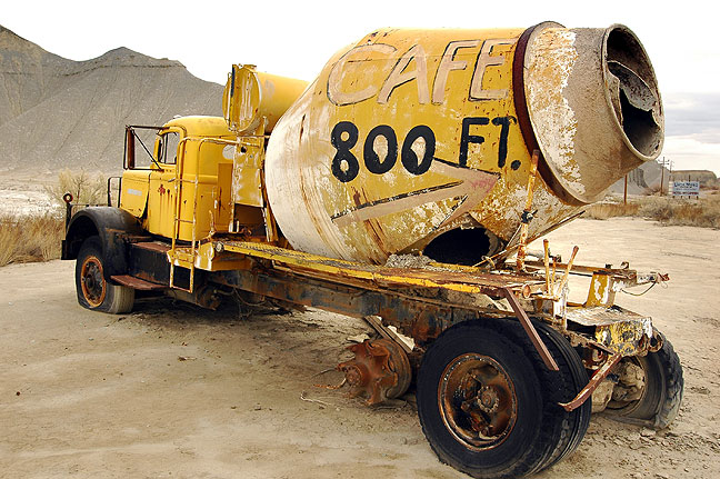 "The ""Café 800 ft."" tag on this abandoned cement mixer is for Caineville, Utah's Luna Mesa Café."