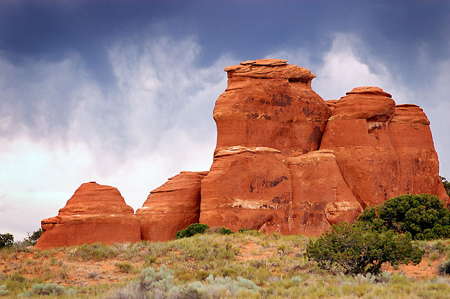 Sandstone benches and virga, trail, Arches National Park.