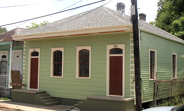 This is Nicole's house after she renovated it in the spring of 2005, but before it was damaged by Hurricane Katrina in August.