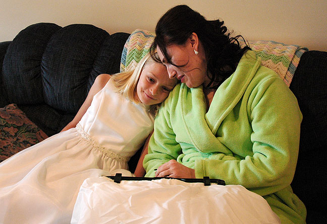 Avery Haydu with Chele as she prepares for the ceremony. Abby made this image.
