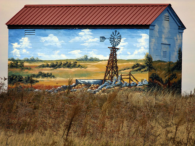 Painted building, west Texas panhande