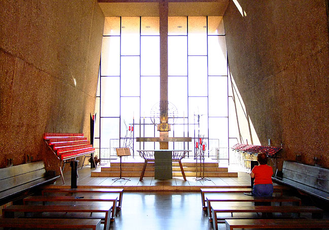 The Chapel of the Holy Cross is just as remarkable inside as it is outside.