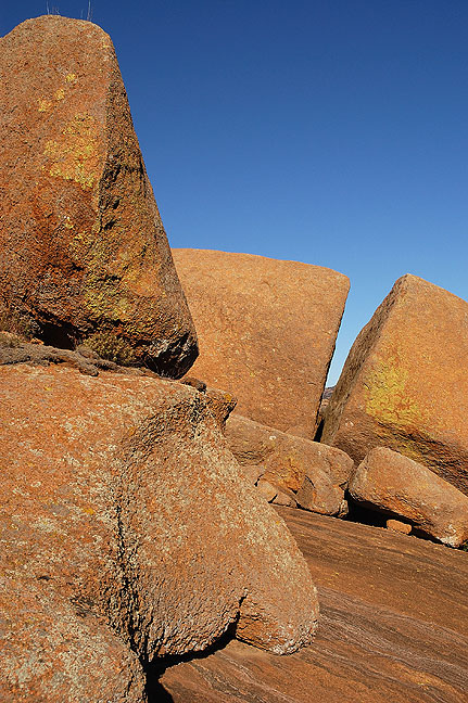 Boulders and crack, Glacier Rocks, 2008.