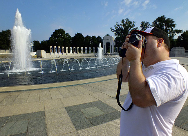 Tom photographs the beautiful and elegant World War II Memorial on the National Mall in Washington, D. C.
