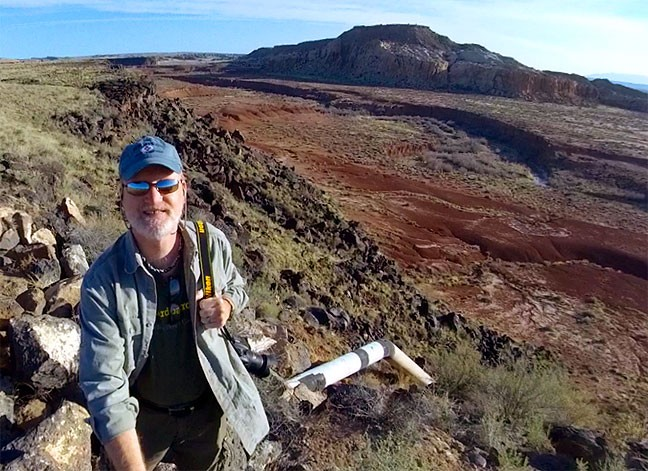 …and this is me near the same spot this year. Neither I nor the canyon have changed all that much.